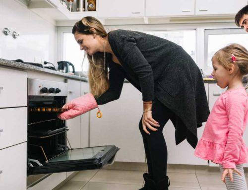 ¿Para qué se utiliza cada bandeja del horno?